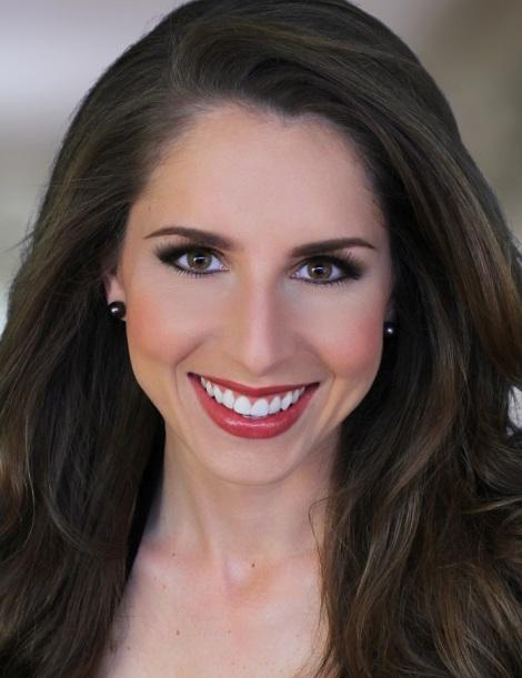 Lindsay Metzger headshot