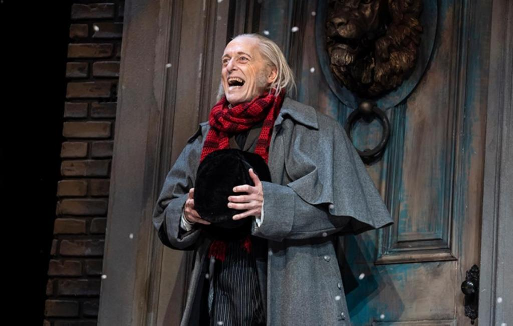 A Christmas Carol Chicago 2021 Goodman Theater S A Christmas Carol Brings Holiday Cheer To Chicago The Torch